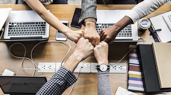 協会は会社より成功しやすいか